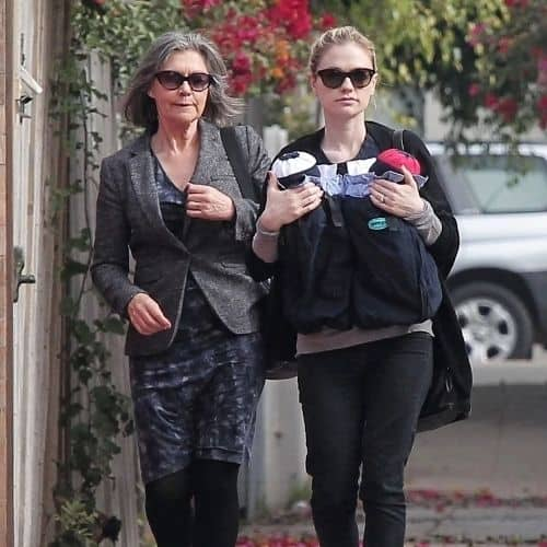Anna Paquin with her mother